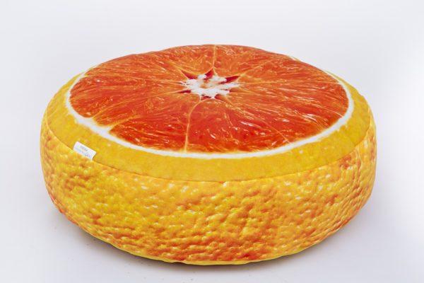 Okrągła poduszka dekoracyjna pomarańcza.