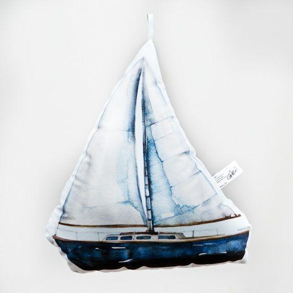 Poduszka dekoracyjna statek stylizowana na namalowną akwarelą.
